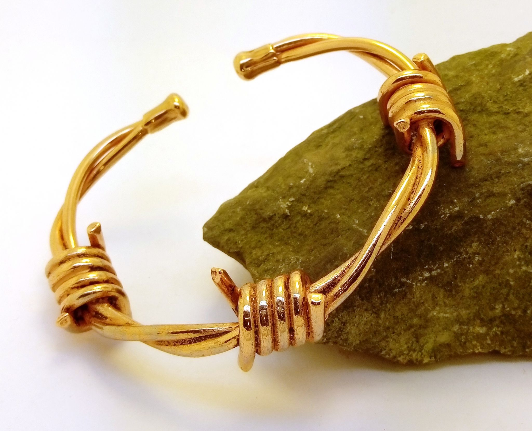 M63 Magnetic Copper Barbed Wire Bracelet